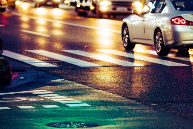 夜間運転の危険予測