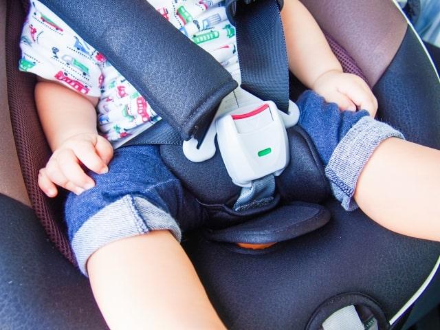 子供との長距離ドライブを乗り切るコツとグズった時の対処法